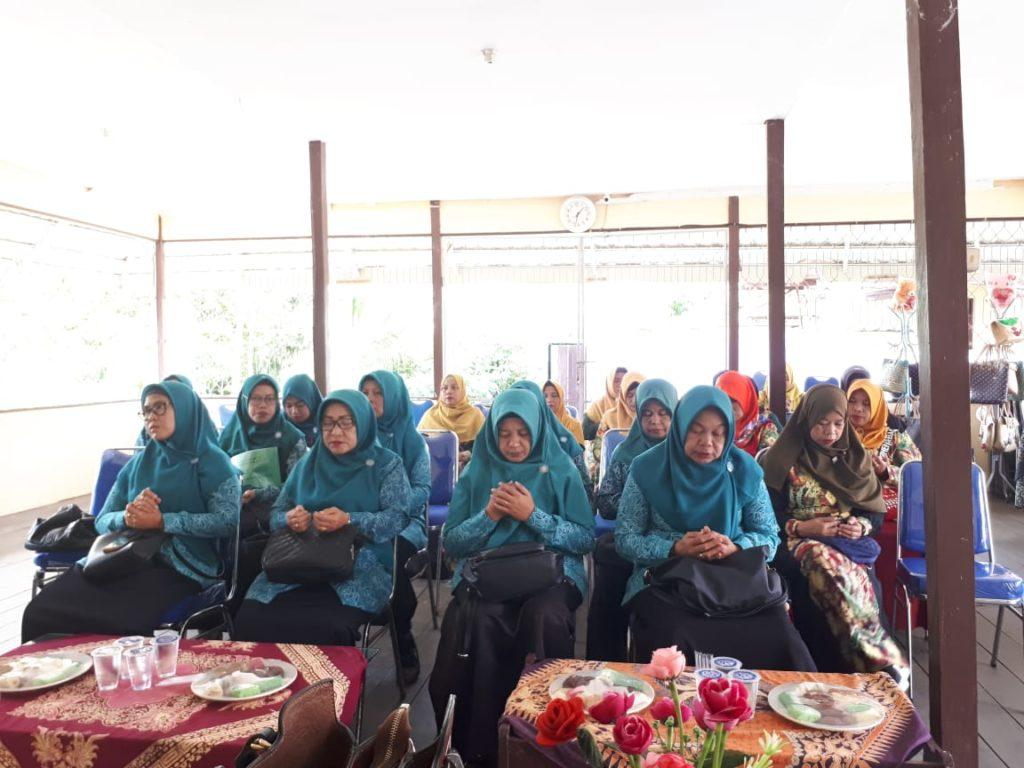 Kunjungan PKK Kel. Marap Kec.Kertak Hanyar Kab. Banjar ke Kelurahan Cempaka Kec. Cempaka Kota Banjarbaru dalam rangka Focus diskusi study contoh pembinaan PKK